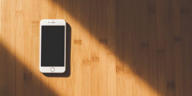 7 Ways To Reduce Eye Strain From Your Iphone