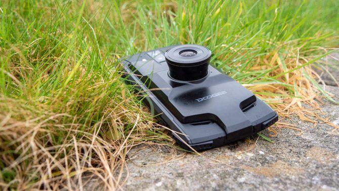 doogee s90 night vision camera on grass