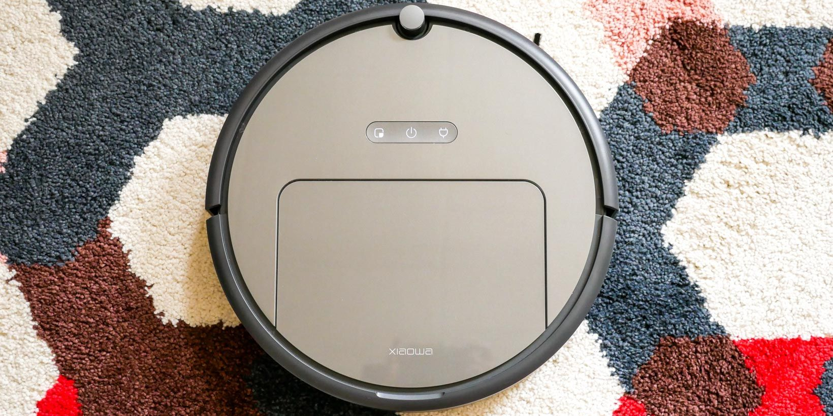 MakeUseOf | Most Powerful Robot Vacuum Yet, But Is It Good