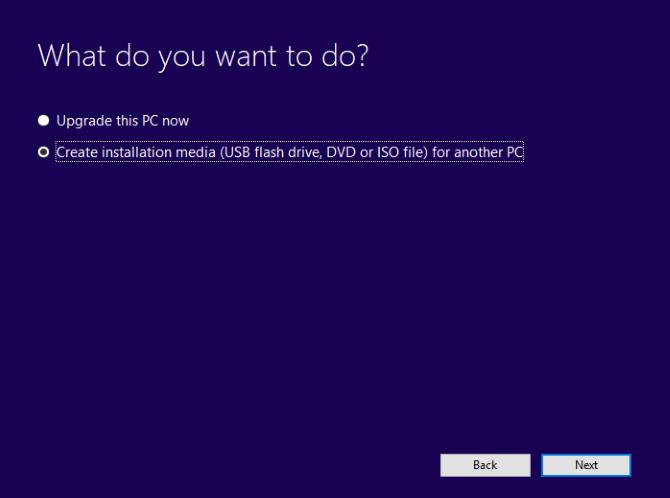 قم بإنشاء وسائط تثبيت Windows 10