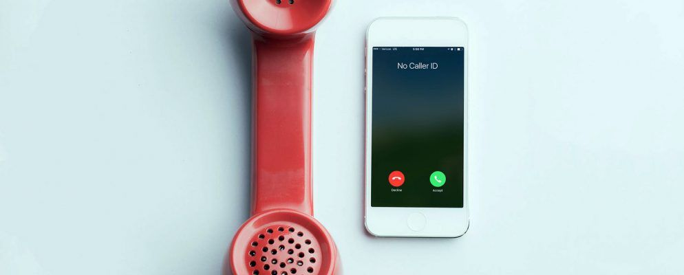 7 Telltale Signs You're on the Phone With a Scammer