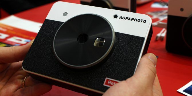 AGFA Realipix Square S: Instant Selfie Printing With a Retro Vibe