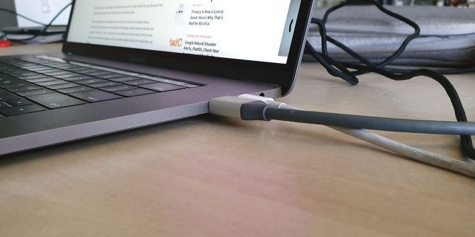 5 Reasons Why Apple Should Ditch Lightning Cables