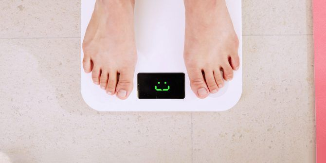 How to Avoid Weight Gain Over The Holidays (and Still Have Fun)