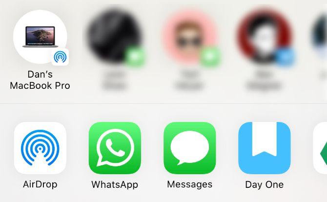 iPhone Share Sheet с опцией AirDrop