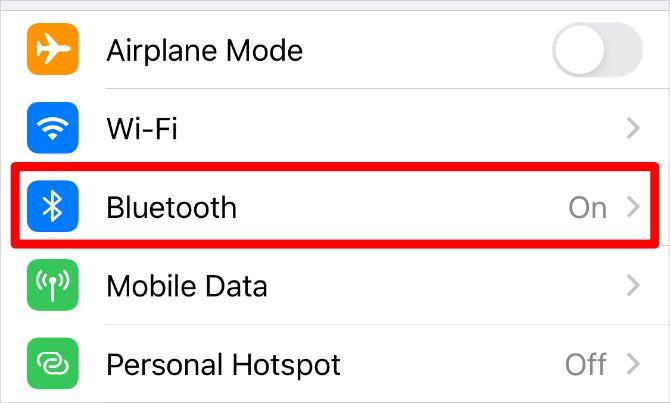 Опция Bluetooth в настройках iPhone