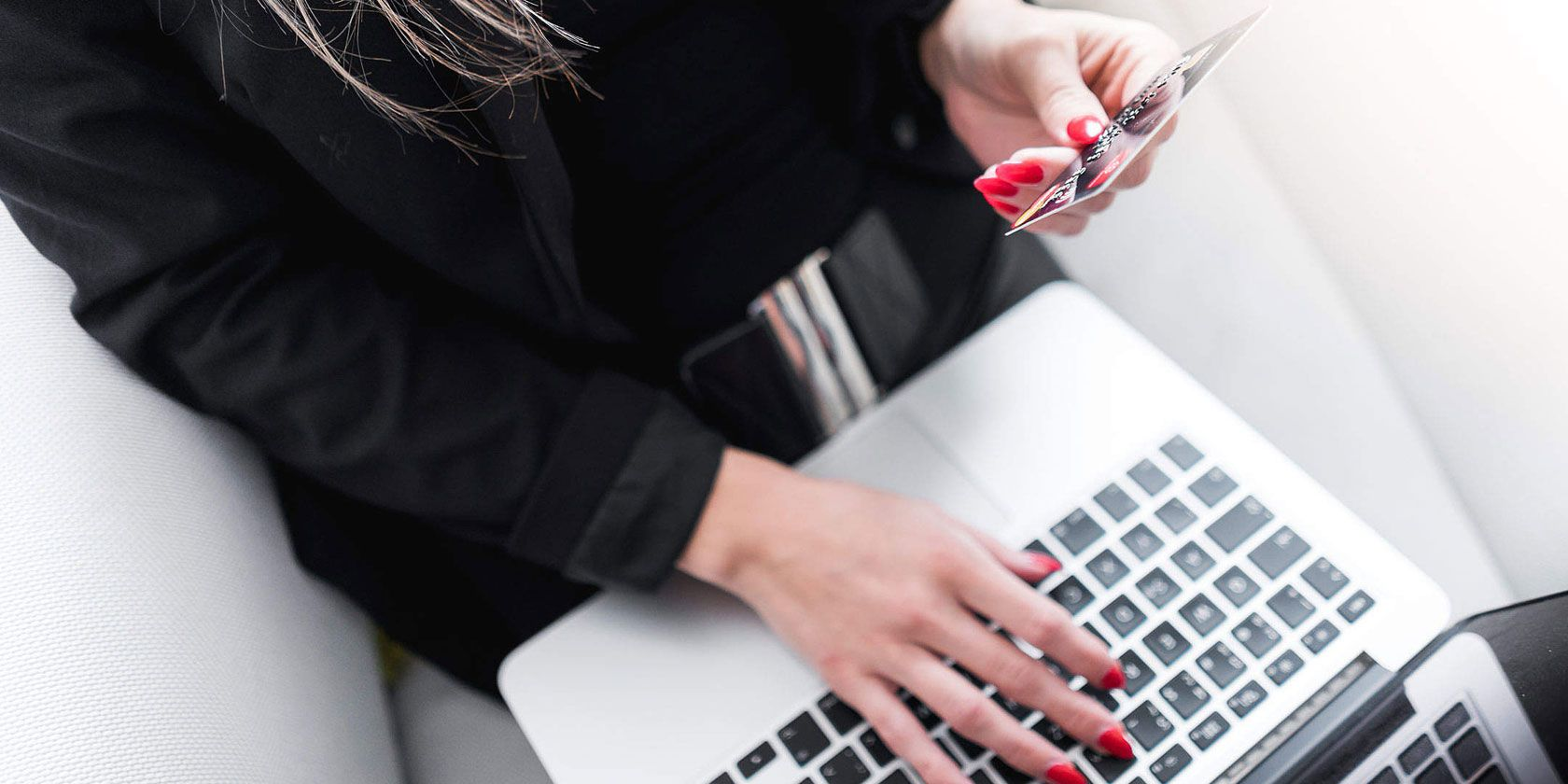 Love Online Shopping? 5 Postal Scams You Should Avoid
